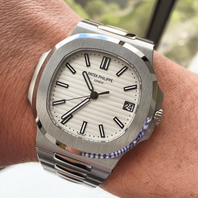 Patek Philippe Nautilus White Dial Reference 5711 Replica Watch Review