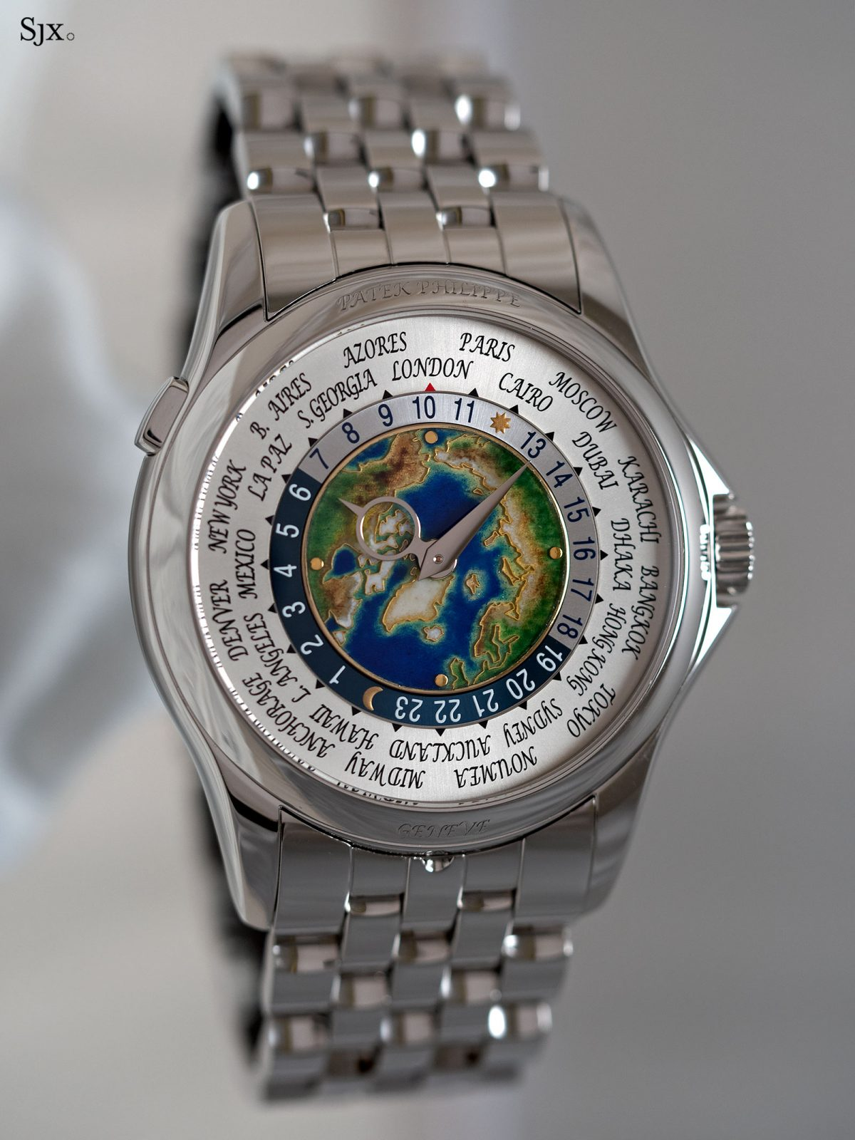 Hands-On Using the Patek Philippe World Time Cloisonné Ref.  5131/1P Platinum Exact Replica Watches